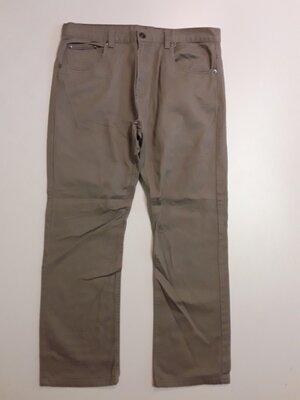 Фирменные брюки джинсы 34р.