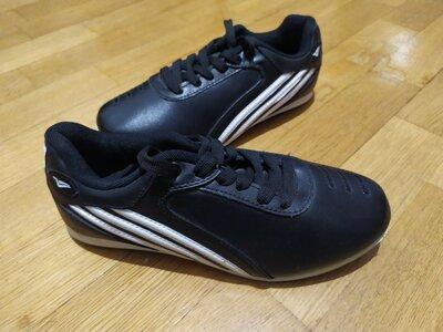 Кроссовки черные 37 размер