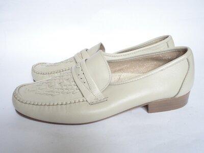Туфли из натуральной кожи на широкую ножку р.44