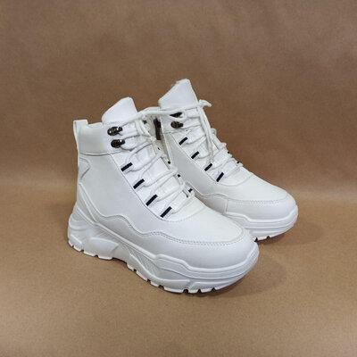 Ботинки белые зима на высокой подошве со змейкой и шнурками экокожа женские