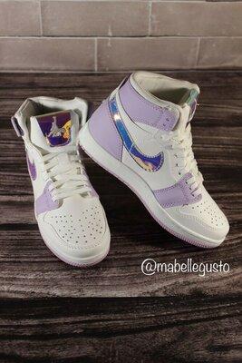 Женские кроссовки Nike Air Jordan 1