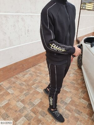 Мужской спортивный костюм трехнить на флисе