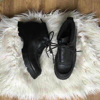 Натур. кожаные ботинки на шнуровке 41-42