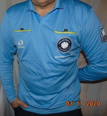 Оригинальная судейская волейбольная футболка Artiva .Германия .л-хл