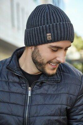 мужская классическая шапка осень-весна