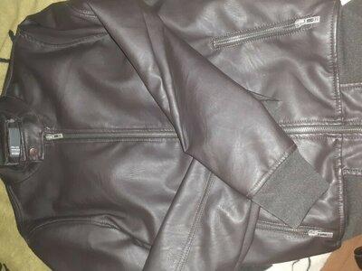 Куртка кожанка мужская.скидка