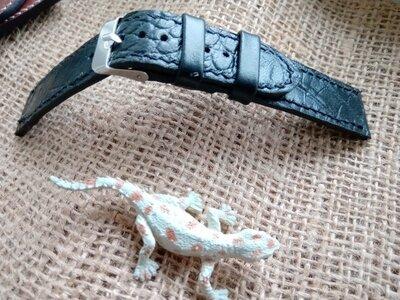 Кожаний ремешок для часов , принт крокодил .