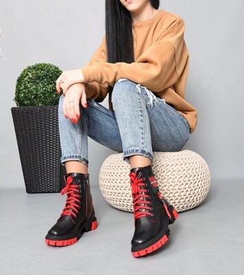 Женские натуральные кожаные белые чёрные ботинки на шнуровке на низком ходу