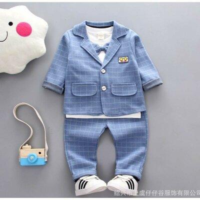 Продано: Стильний костюм для хлопчика блакитний
