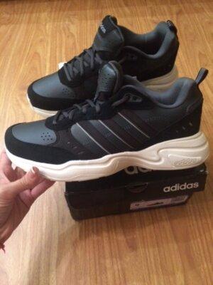 Продано: Кроссовки Adidas оригинал