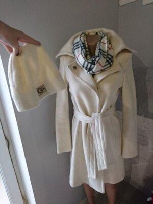 Пальто United Colors of Benetton шерсть, шапка UGG, шарф кашемир. Новая Цена До Нового Года