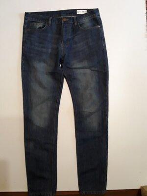 Фирменные джинсы слим L