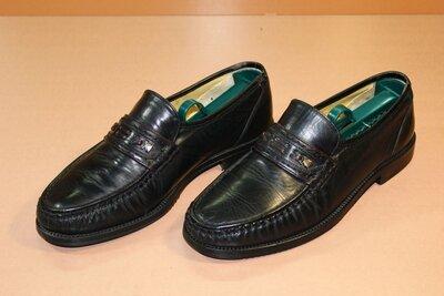 Туфли Bata.