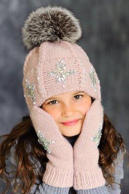 Продано: Зимние шапки, комплекты с натуральным мехом Чернобурка, енот, альбинос