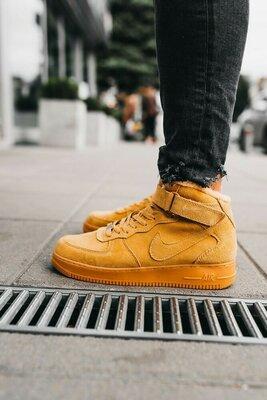 Зимние кроссовки Nike Air Force 1 Mid песочные