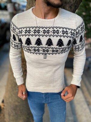 Новогодний свитер в ассортименте