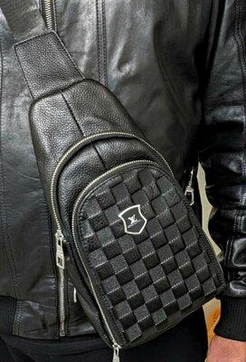 Мужская кожаная сумка слинг Louis Vuitton через плечо черная