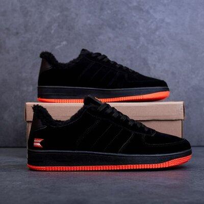 Тёплые зимние мужские кроссовки черные с оранжевым