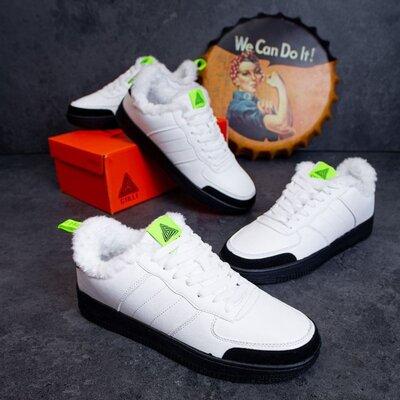 Тёплые зимние мужские кроссовки белые с салатовым