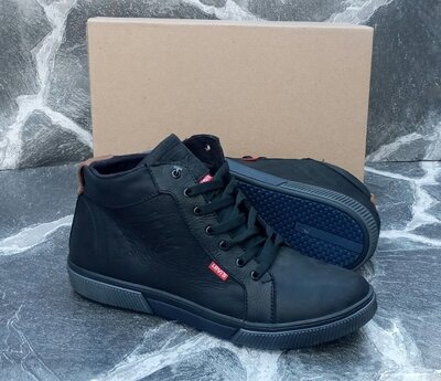 Продано: Мужские зимние ботинки Levis Classic Winter кожаные,черные.с мехом