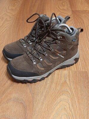 Продано: Треккинговые ботинки Karrimor waterproof