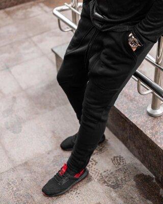 Теплые спортивные штаны черные