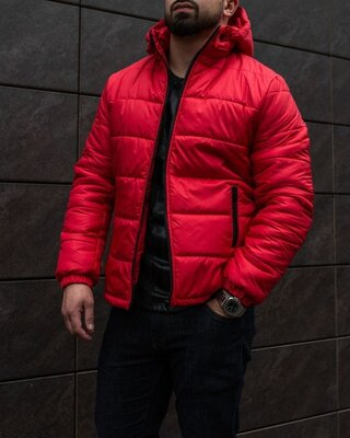 Мужская зимняя куртка красная