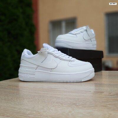 Зимние кроссовки Nike Air Force 1 Shadow белые, мех