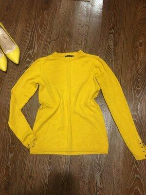 Яркий трикотажный свитер кофта фирмы Zara