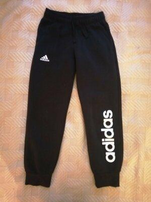 Продано: Теплые спортивные штаны р 140см.