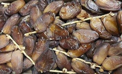 Финики Алжир на ветке, без консервации и сиропа