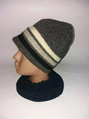 Тёплая шерстяная шапка