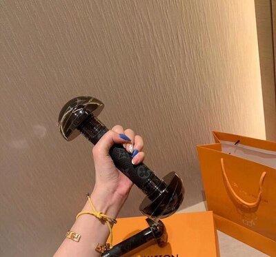 Гантели Louis Vuitton