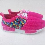 новые яркие ,модные кроссовки фирмы Гипанис.украина.идеально для занятием спорта и прогулок