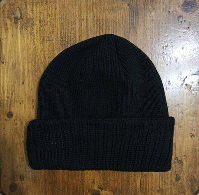 Продано: Шапка мужская чоловіча вязаная одинарная с отворотом. Новая шапочка. Цвет черный