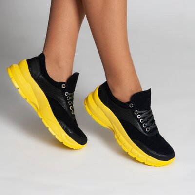 Замшевые черные кроссовки 2021 в наличии