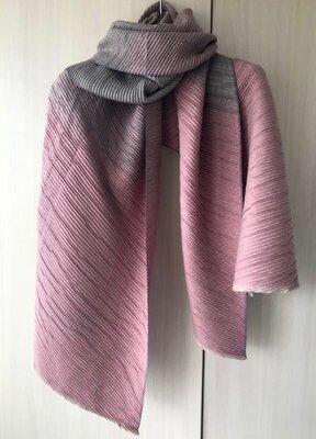 Кашемировый гофрированный шарф / цвет серо-розовый / градиент