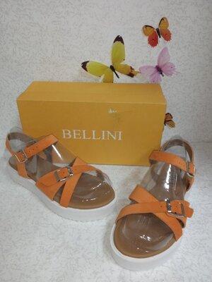 Продано: Замшевые босоножки на платформе Bellini белллини Италия.