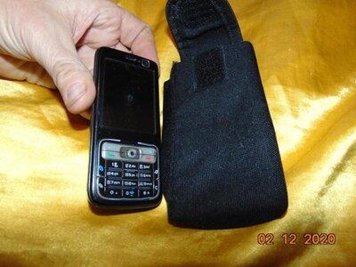 Чехол на пояс для мобильного телефона .