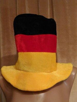 Карнавальная высокая шляпа