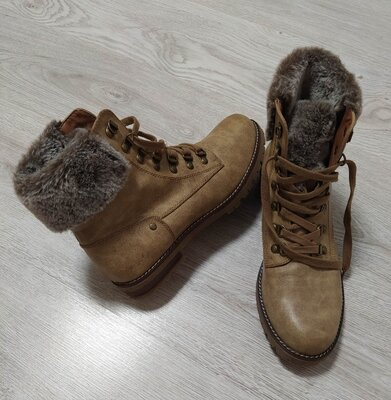 Фирменные ботинки,ботиночки,сапожки.