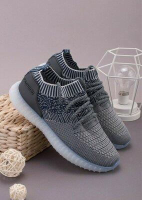 Мужские сине-белые кроссовки