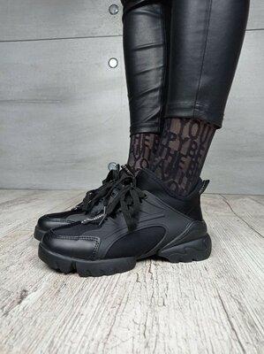 Женские кроссовки на шнурках черные размер 36-41