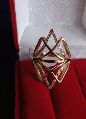 Кольцо медсплав, покрытие золотом 18К/585 пробы с фианитами р.18