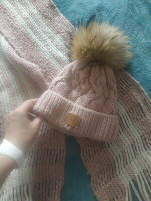 Продано: Шапка и шарф .помпон Енот. цвет розовый нюдовый нежный