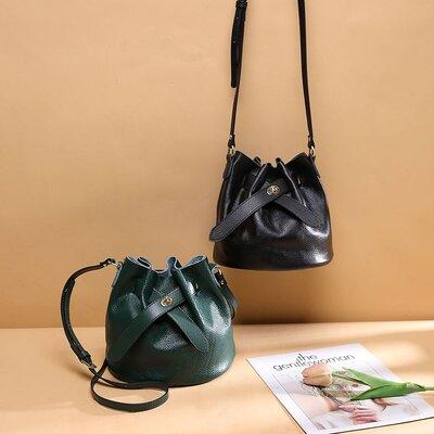 Шикарная женская сумка, кросс-боди натуральная кожа Италия , новая в наличии