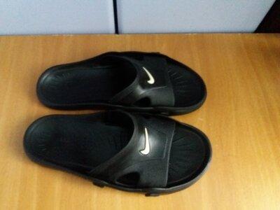 Шлепанцы Nike оригинал 42-42,5 размер