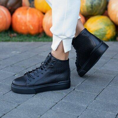 Женские деми ботинки Carlo Pachini с нат. кожи на байке.