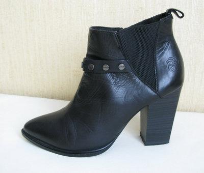 Стильные кожаные ботинки ботиночки казаки жокейки marco tozzi 39 кожа ANTIshokk