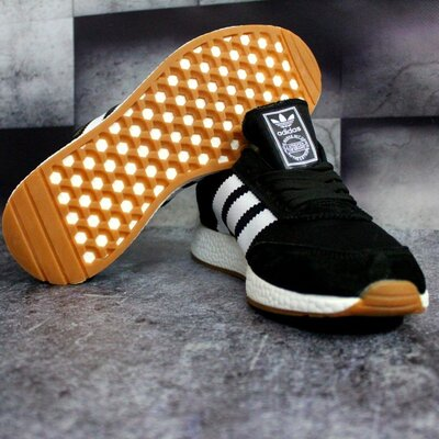 Мужские кроссовки Adidas Iniki черные с белым
